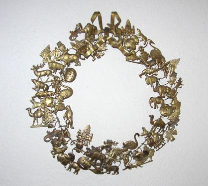 bl_metal_wreath.jpg