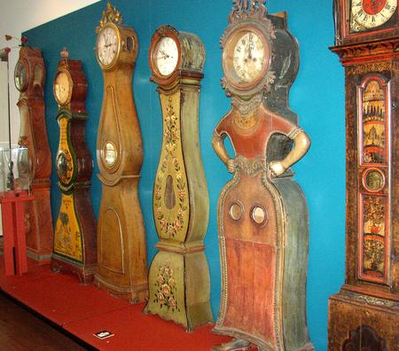 finnish_clocks_in_the_national_museum.jpg