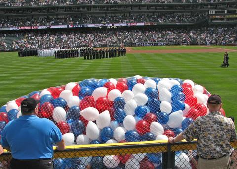 Baseball_balloons