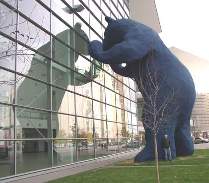 Big_blue_bear_dark_1