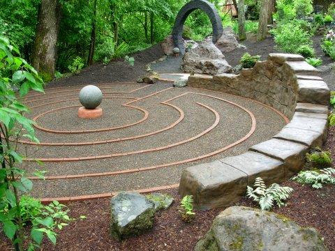 Inca_wall_labyrinth_1