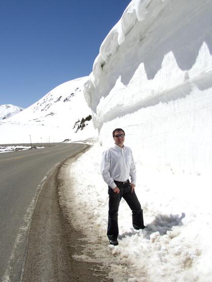 Santiago_beside_snow_cornice