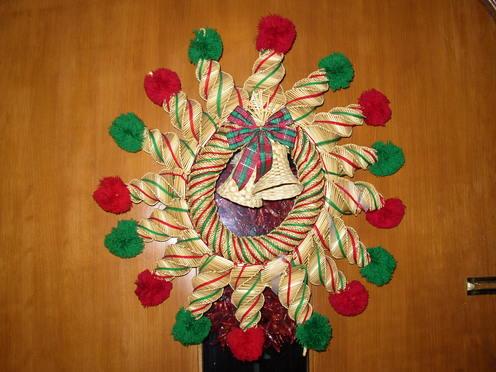 Straw_christmas_wreath