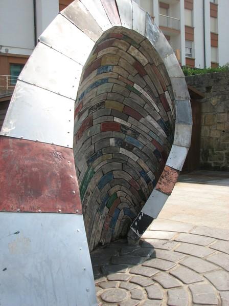 Zarautz_sculpture