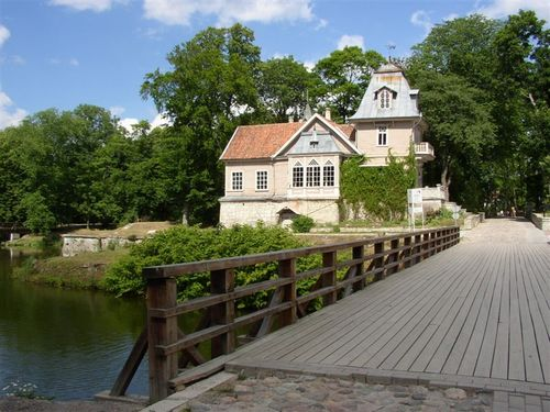 Kuressaare house from the castle bridge