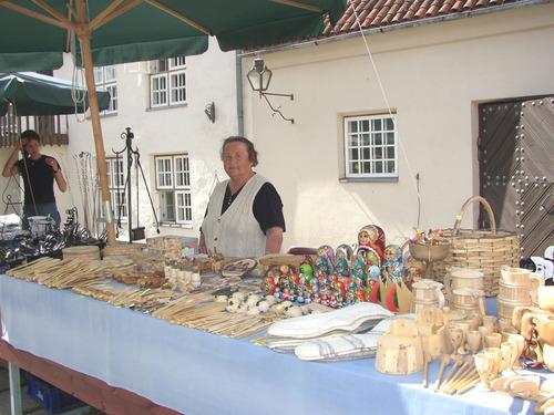 Souvenirs_in_kuressaare_market